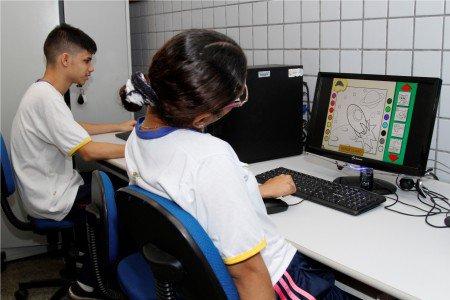 Telecentro:  Espaço educativo onde Games ajudam em aulas de educação especial